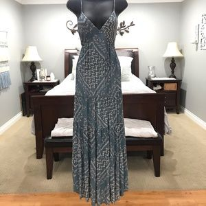 Gorgeous LOVESTITCH Maxi Dress